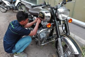 pemasangan gps motor moge