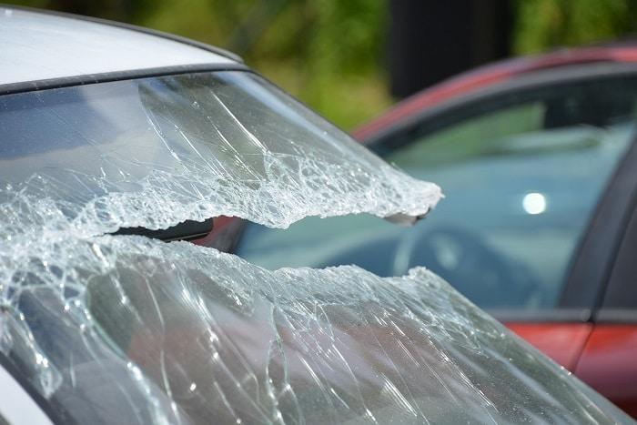 cara memperbaiki kaca mobil retak panjang