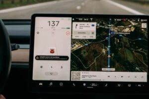 Panduan Membeli GPS Mobil, Merk Yang Terbaik